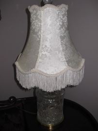 Crystal fringed lamp