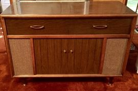 Airline stereo cabinet
