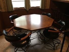 Retro Kitchen Table w Pub Style Chairs