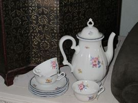 Rosenthal tea and coffee pot with matching cup and saucers