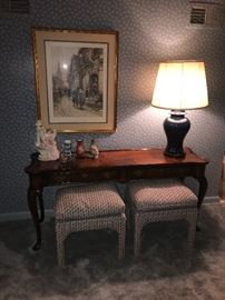 Sofa table, stools and lamp