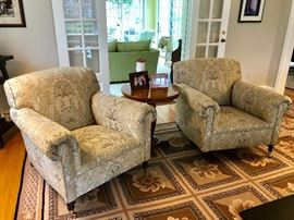Gorgeous Upholstered Sitting Club Chair Set
