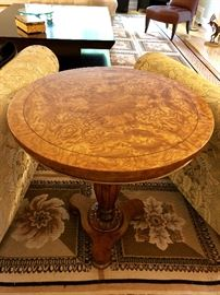 Fine Book Matched English-Style Pedestal Inlaid Burled Walnut Wood Side Table