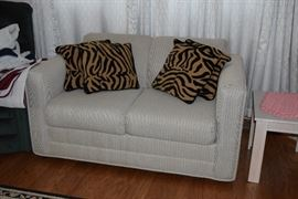 Loveseat & Pillows