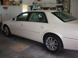 2008 Cadillac DTS with less than 28,000 miles. Please look through the photos as I have taken detailed photos of the entire vehicle, interior and exterior .