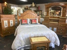 4-Piece Oak & Glass Queen Size Bedroom Suite