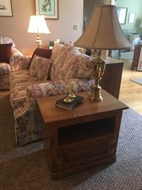 "Oak End Table by ""White Clad"" Simmons Hdwe Co, St Louis, MO"