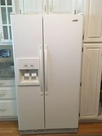 WHIRLPOOL side-by-side refrigerator with ice maker