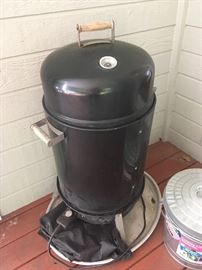 "CHAR-BROIL Electric ""H20"" Smoker"