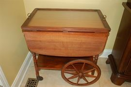 Serving cart with glass top/tray