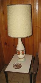 Mid century table, lamp