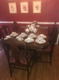 Art Deco Dining table with chairs and leaf extension