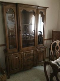 Thomasville china cabinet, part of a set - dining table with leaves, 6 chairs, service, buffet