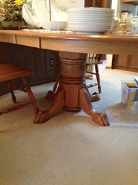 Oak Pedestal Dining Table with Two Leaves & Four Chairs