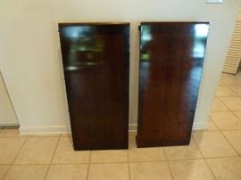 Broyhill Asian dining table 2 leaves