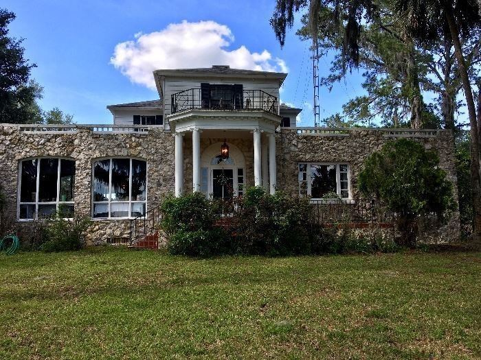 1892 Home on the border of Marion and Alachua county. The same family has lived in this home since the beginning
