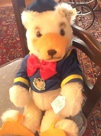 Steiff - Dinald Bear