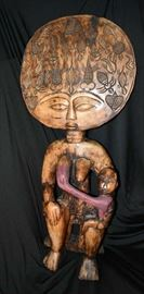 """Ghana Wood Queen Mother Ashanti Fertility Doll, The Queen Mother's Names begin normally with """"Nana"""" and wore real gold figures on their head coverings."""
