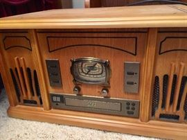 Crosley radio, turntable