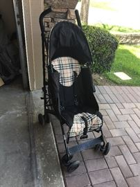 highend Burberry Stroller. made in England.                                         very good condition