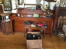 ''U''  Hammond Piano and Bench--box full of Model Trains