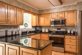 Granite Counter-tops, stainless appliances