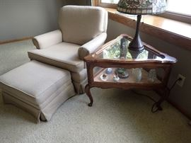 SIDE CHAIR & OTTOMAN / TRIANGLE CURIO END TABLE