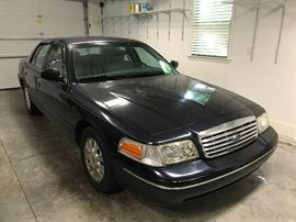 Ford Crown Victoria LX 2002  60,137 miles - Ford Crown Victoria LX 2002 60,137 miles, Very Good Condition, 1 Owner, Clean CarFax $3300 - Cash Only