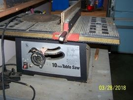 Table saw with manual.
