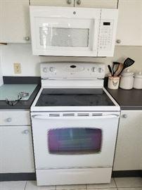 Maytag range; GE microwave oven (mfg. 2014)
