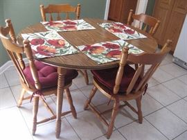 Kitchen Table with Six Chairs and One Leaf...