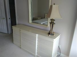 Lane Alta Vista Virginia Dresser - 72 x 18 x 32; Mirror 35 x 43