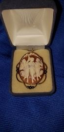 Three Graces Cameo