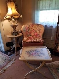 Vintage armless Slipper chair, HP Wood butlers tray w stand, center pedestal side table/plant stand, large Italian Majolica Lamp w original shade
