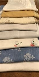 Table linens & napkins for dining room table, various sizes