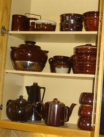Brown kitchenware