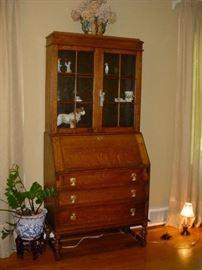 Stunning old oak ladies desk/cabinet
