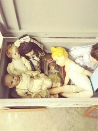 ANTIQUE BABY DOLLS