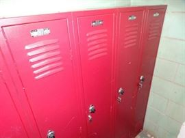 Set of 3 lockers