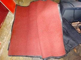 2 floor mats/ rugs