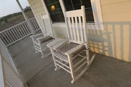 Porch Rocking Chairs with side table