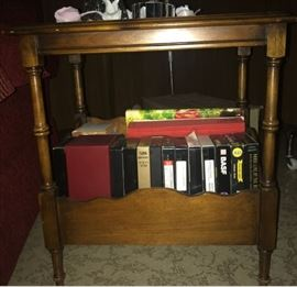 MAG RACK END TABLE FRONT