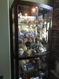 Large display cabinet (lighted) (1 of 2)