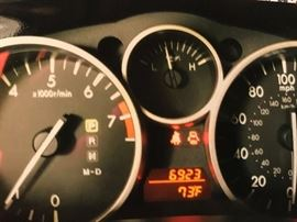 Odometer showing mileage at 6923.