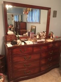 beautiful Mahogany 9 drawer dresser with mirror (3 piece set)