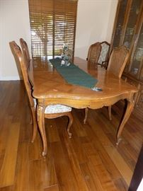 Thomasville French Provincial table set with 6 chairs  300 dollars for table set