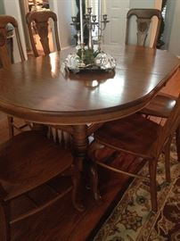 Very versatile oval-shaped table- big or small