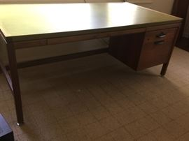 53. Jens Risom Design Inc. Executive Desk w/ 4 Drawers & Olive Green Leather Top (70'' x 37'' x 25'')