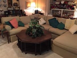 Sectional sofa w/chaise, huge coffee table