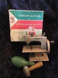 SINGER TOY SEWING MACHINE & VINTAGE DARNERS